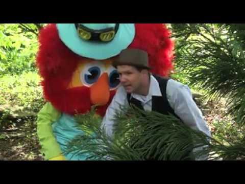 Traveling Promo - Macoroni & Joe visit the Cincinnati Zoo