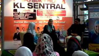 Irma Hasmie and Hilal Asyraf at Ekspo Buku Islam 4 part 2 2017 Video