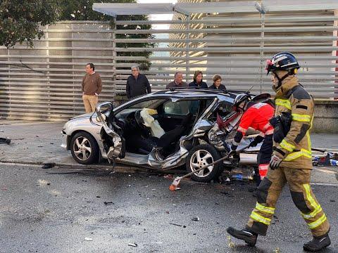 Un conductor impacta contra el vehículo que le precede y embiste otros 4 coches en Portanet