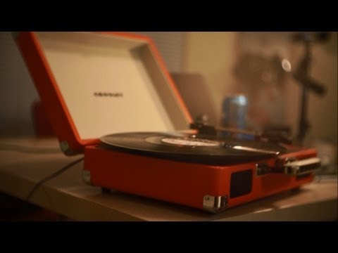 Crosley Cruiser Portable Turntable REVIEW and HANDS ON