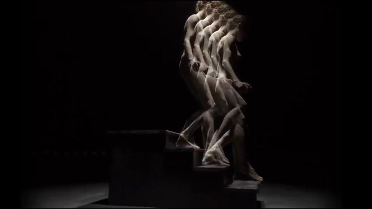Descending staricase Nude a