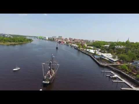 The tall-ships Niña and Pinta arrive in Wilmington