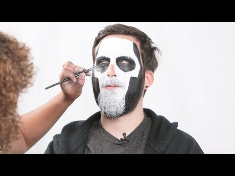 How to Look Like Ghost's Papa Emeritus III For Halloween