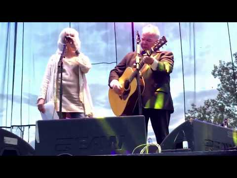 John Prine w/ Emmylou Harris - Angel From...