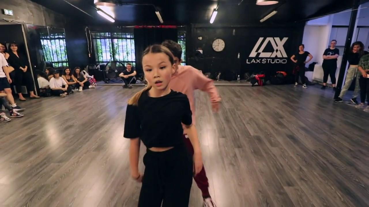 Download MAD LOVE SEAN PAUL - DELPHINE LEMAITRE AND AMALIA SALLE DANCE CLASS