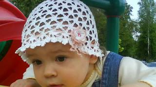 Детские вязанные косынки , панамки и летние  шапочки....