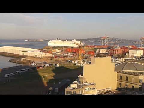 Norwegian sun entrando a Puerto Montevideo