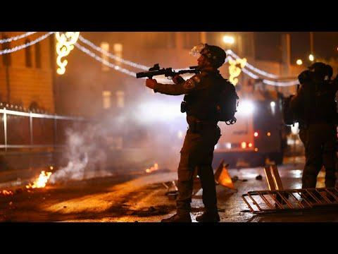 عشرات الجرحى في اشتباكات عنيفة جديدة بين متظاهرين فلسطينيين والشرطة الإسرائيلية في القدس الشرقية  - 07:58-2021 / 5 / 9