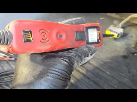Diagnose and replkace a Freightliner blower motor