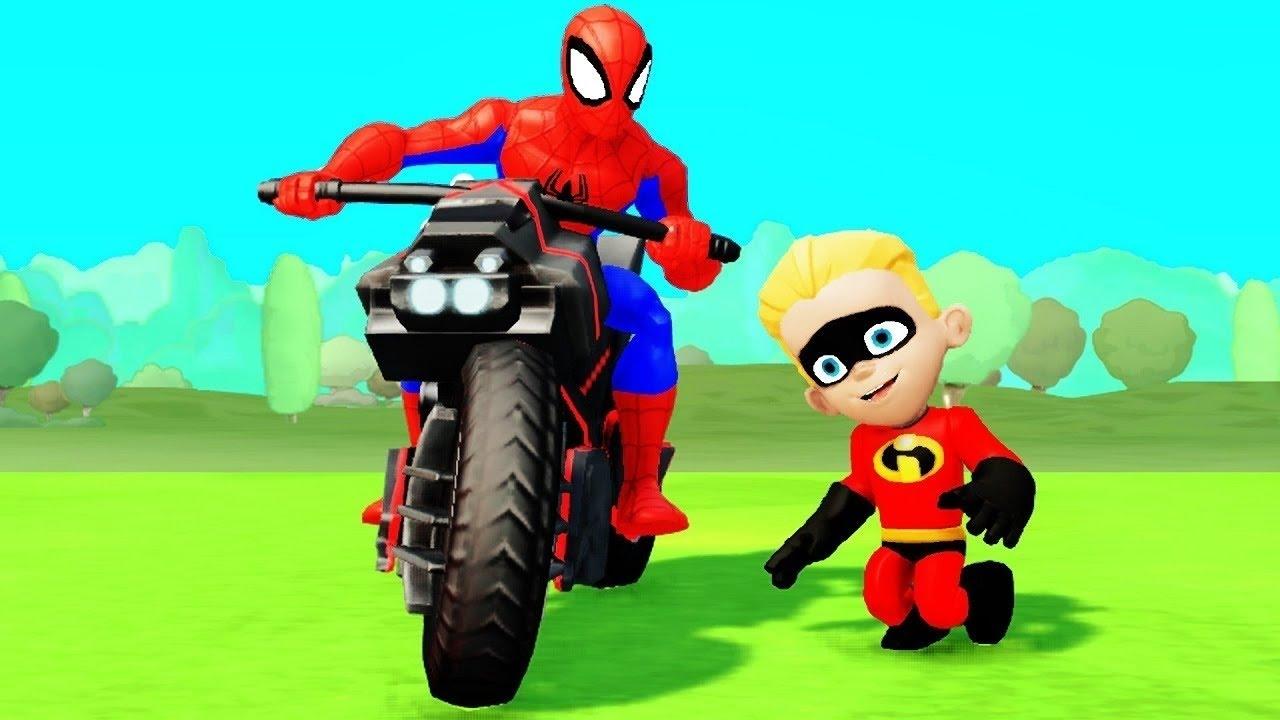 Человек Паук и Халк вместе с Суперсемейка катаются на ...