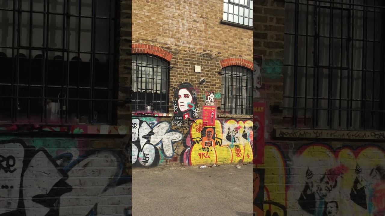 London Brick Land Graffiti Youtube
