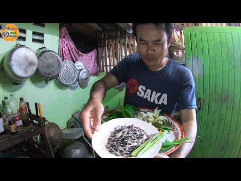 เมนูนี้อยู่กทม.หากินยาก อาหารอีสานแกงอ่อมเขียดอีต่องใส่ผักรวม ของโปรดผู้เฒ่า