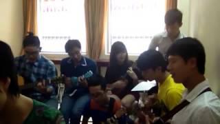 Tuyết Rơi Đêm Giáng Sinh - Guitar và Ukulele - thầy Nguyễn Duy Hùng - 12hmusicschool:0906.177 176.