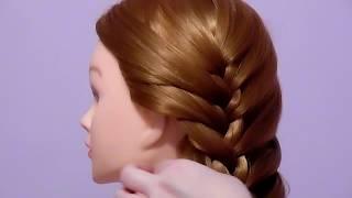 Боковая коса с подхватом.