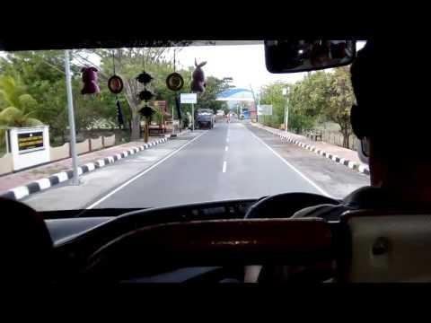 Suasana Saat Memasuki Pelabuhan Kayangan Lombok Menggunakan Bus Surabaya Indah