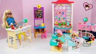 LOL Surprise Doll Gets in Trouble in Barbie Teachers School Classroom