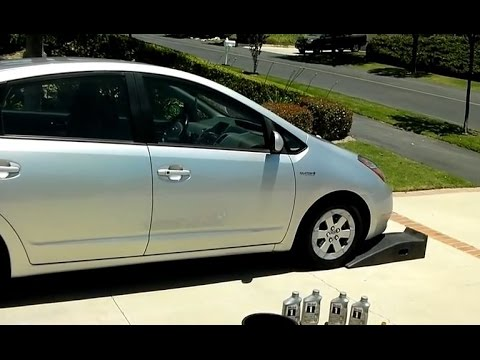 Prius Oil Change >> How to Change Motor Oil of 2nd-Gen (2004 - 2009) Toyota