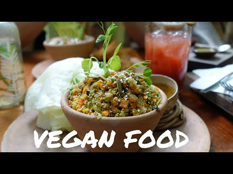 VEGAN FOOD IN TULUM, MEXICO // [Travel Vlog]