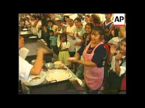 EL SALVADOR: SAN SALVADOR: ANNUAL PUPUSA MAKING COMPETITION