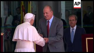 WRAP Pope Benedict XVI arrives in Spain for tour ADDS more