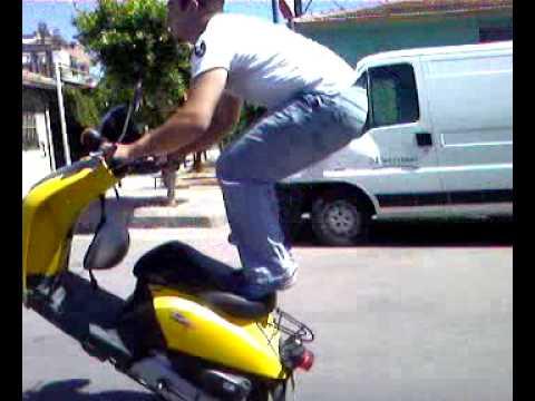 Honda Today 07sg899 Wheelies ( Tek Teker ) Stunt çağrı