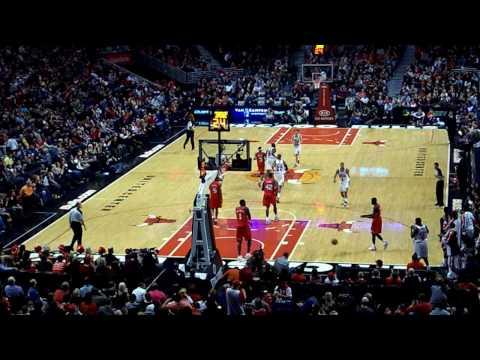 Taj Gibson Dunk & Brad Miller Fastbreak Layup vs Sixers (2/20/2010)