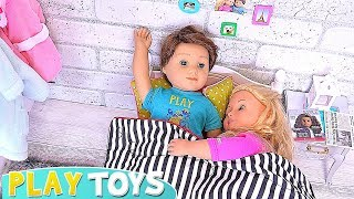 Playing American Girl Dolls Morning Routine with Cooking Toys! 🎀