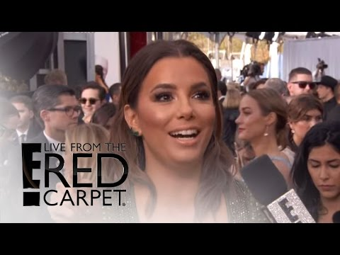Eva Longoria Stuns in Cleavage-Baring Gown at SAG Awards | Live From the Red Carpet | E! News thumbnail