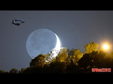 Weird! The Black UFO Ring Passes And Zigzags Quickly Near Moon (Video 4K)
