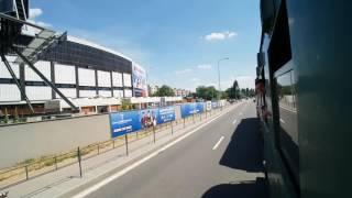 Jízda vlakem v ulicích Brna
