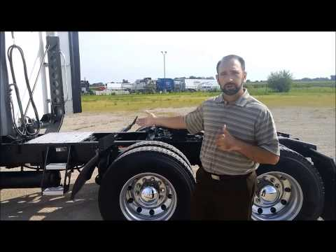 2009 Freightliner Columbia Walk-Around