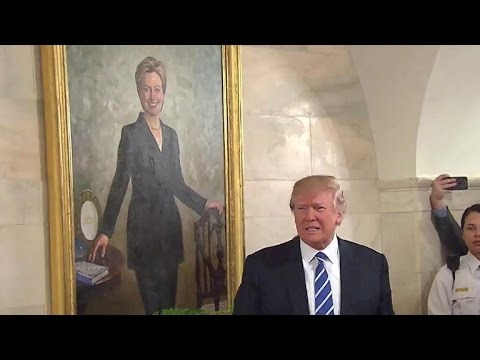 Trump welcomes first White House tours
