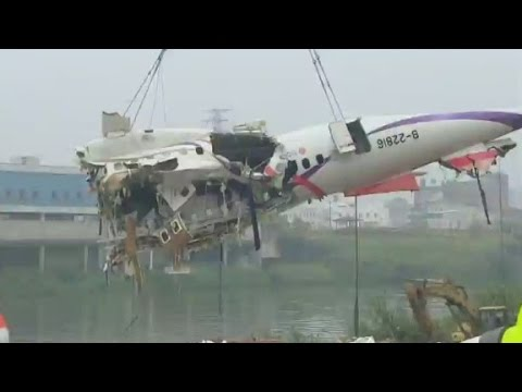 TransAsia plane lost power in both engines