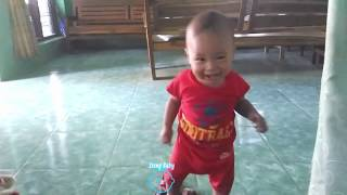 Funny Baby Playing Peekaboo (CILUKBA)