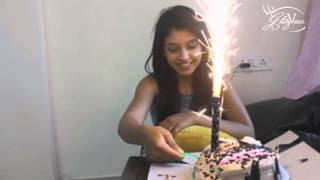 Niti Taylor cut the cake with glitz vision