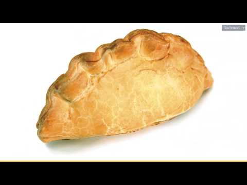 cornish-pasty-production-by-rademaker