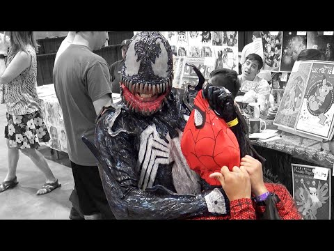 Venom Vs Spiderman In Real Life | Comic Con Las Vegas 2016