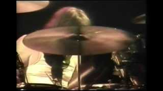OUT ON THE TILES/BONZO SOLO (live 77) - Led Zeppelin
