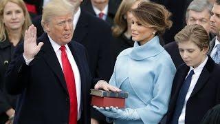 Трамп розпочав президентство  Боже, благослови Америку…