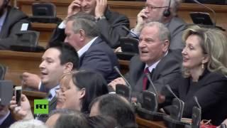 """""""Wir brauchen die EU nicht!""""   Mogherini im Belgrader Parlament minutenlang niedergebrüllt"""