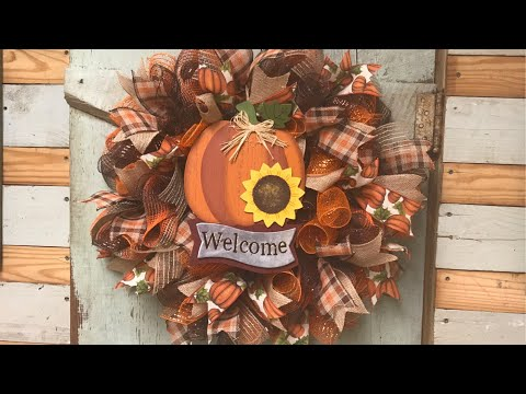 Fall wreath tutorial Easy Easy one too!