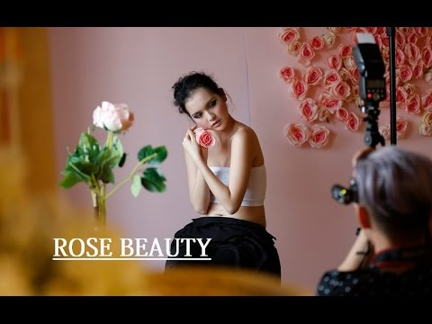 {Behind The Scene} - Người mẫu 19 tuổi hóa thân thành hoa hồng