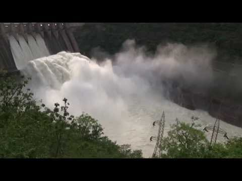SRISAILAM DAM  WATER  FALLING ON 01092014