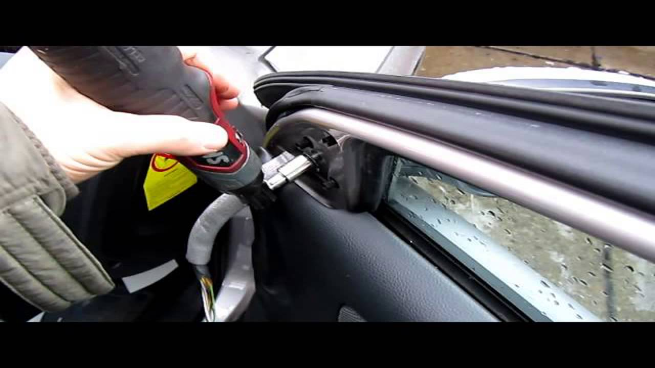 How to Volvo S40 Car Stereo Removal 2004 2009 repalce repair