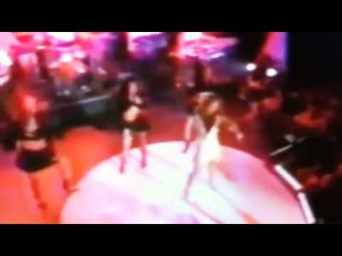 "Ashanti singing ""Baby"" live in NYC"