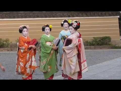 【狂気】日テレスッキリ発案「東京五輪のゴミ対策として舞妓さんを生きているゴミ箱にしよう」