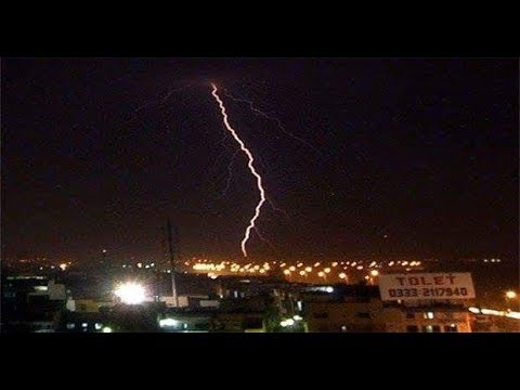 Heavy RainFall in Karachi Today with Lightning and Thunderstorm , August 2017