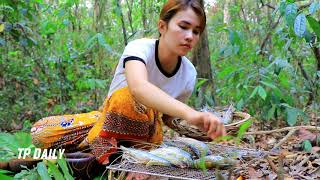 Amazing Beautiful Girl Cooking In Forest Eating Delicious