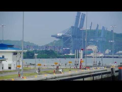 Hoegh Target transits through the Expanded Panama Canal