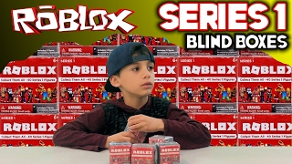 Five Nights at Freddy's at Chuck E Cheese Roblox Blind Box series 1 Surprise TOY OPENING FNAF CEC